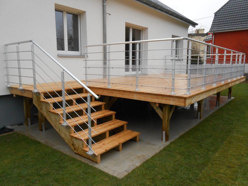 terrasse avec ou sans entretien bois composite am nagement. Black Bedroom Furniture Sets. Home Design Ideas